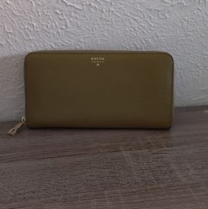 Fossil Army Green Zip Wallet